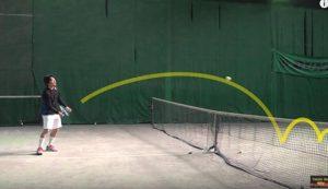 バウンド後に止まるような球をイメージ