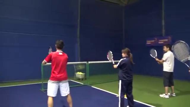 楽しくテニス